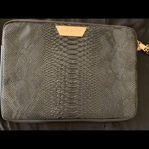 Black snake print laptop case